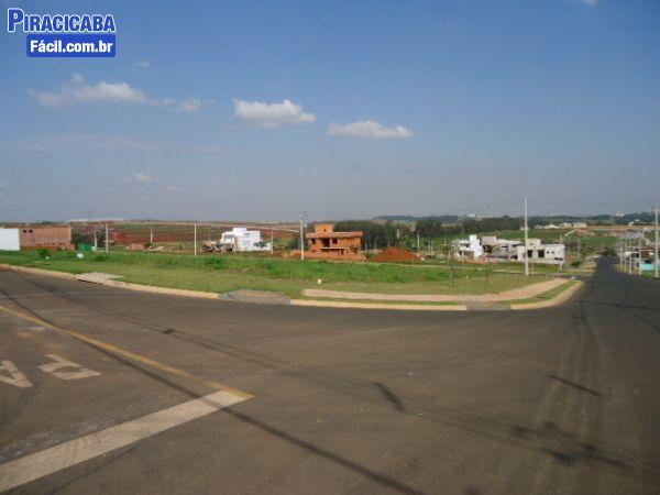 Terreno em Condomínio - Villa D'Aquilla